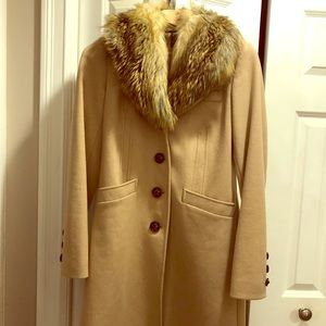 Camel trench coat with fur collar